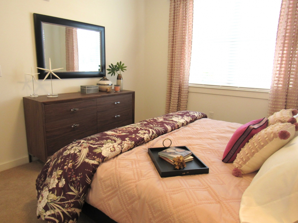 Two Bedroom Apartment Furniture Mystic Bluff Apartments